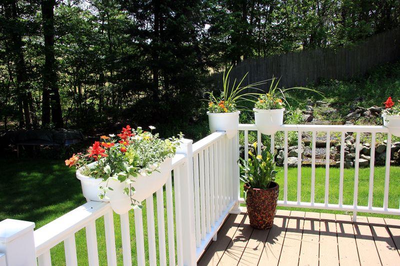 Deck & planters (3)