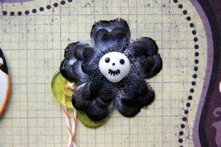 Skull-centered flower